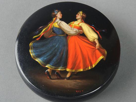 Шкатулку Путина показали во дворце