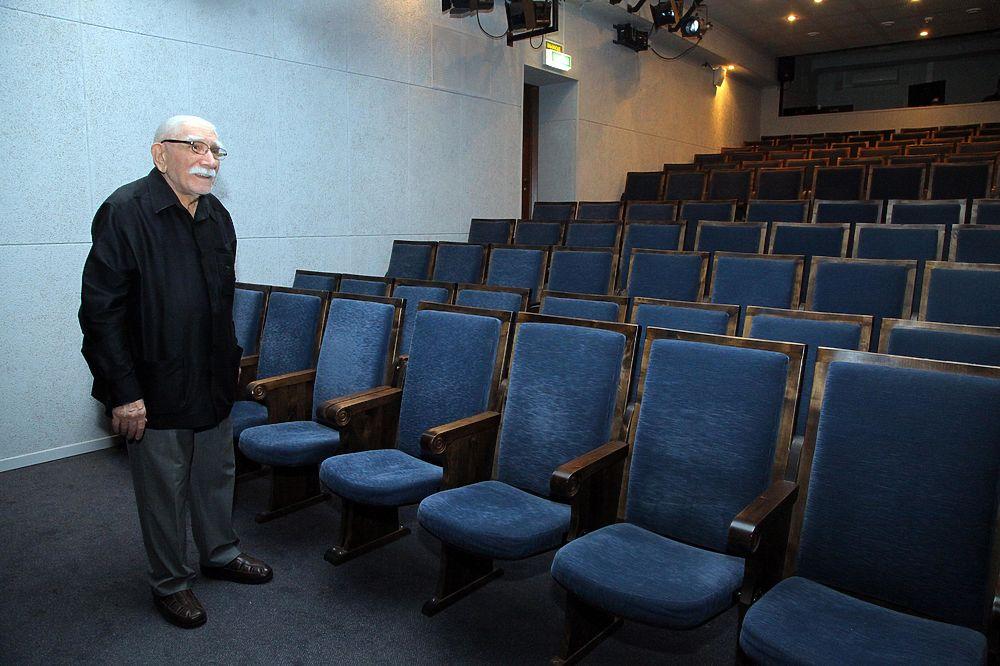 Армен Джигарханян открыл Малую сцену своего театра на Кооперативной улице.