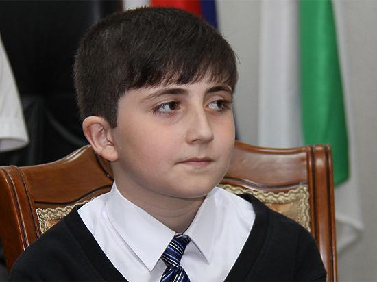10-летнему Исламу вернули 3 тысячи руб., которые онотправил Путину