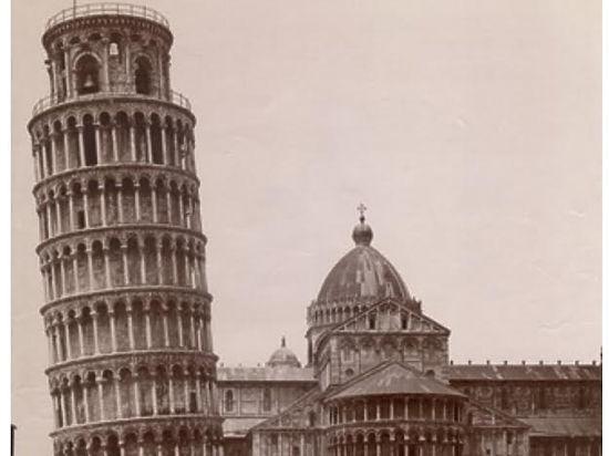 МАММ закрыл сезон выставками про архитектуру Флоренции и Питера