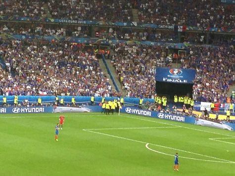 Португалія  стала чемпіоном Європи перемігши збірну Франції з рахунком 1:0, фото-3