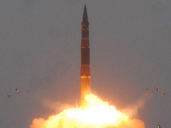 СМИ: в России идет разработка новой подлодки и баллистической ракеты
