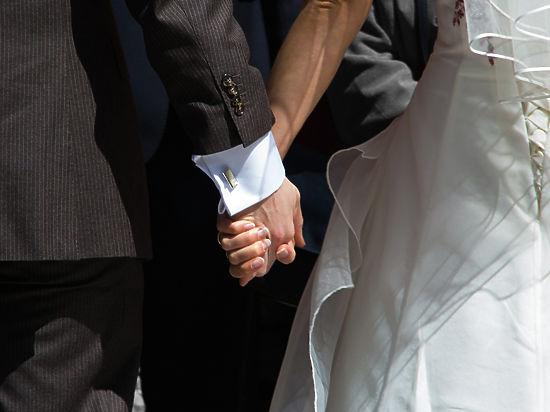 Ученые разобрались, кого сочли бы идеальной парой одинокие люди