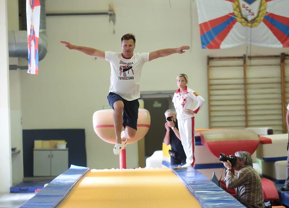 Четырехкратный олимпийский чемпион по спортивной гимнастике Алексей Немов провел открытую тренировку