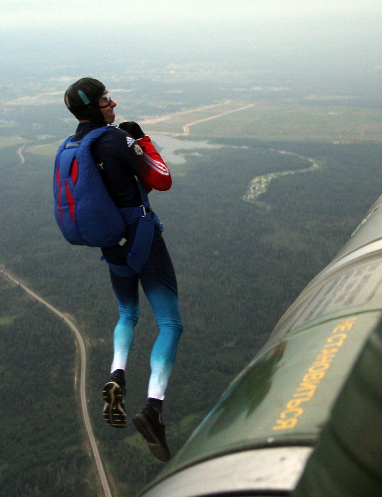 """В парке """"Патриот"""" проходит 40-й чемпионат мира по парашютному спорту среди военных."""