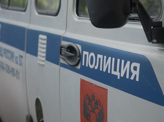ВПодмосковье милиция задержала девушку, очень долго сидевшую втуалете