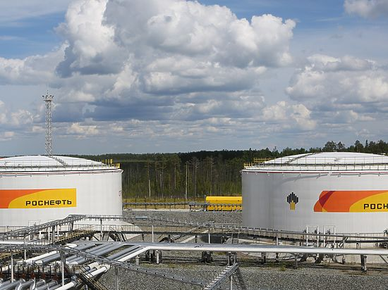 «Роснефть» увеличила добычу углеводородов вIполугодии на0,7%