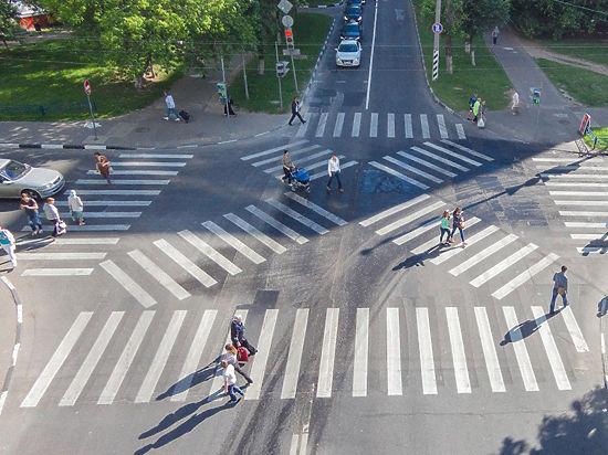 Что ждет московские дороги: сужение полос и контурная подсветка знаков