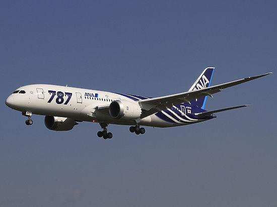 Ваэропорту Токио увзлетавшего Boeing взорвался мотор