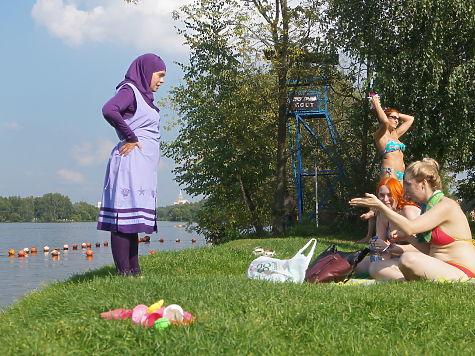 Голые девочки в пляжной кабинке фото 60-76