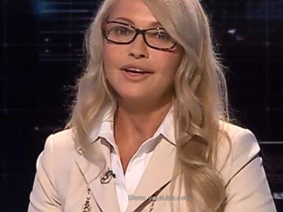 Из «училки» в знойную блондинку: Тимошенко снова сменила образ