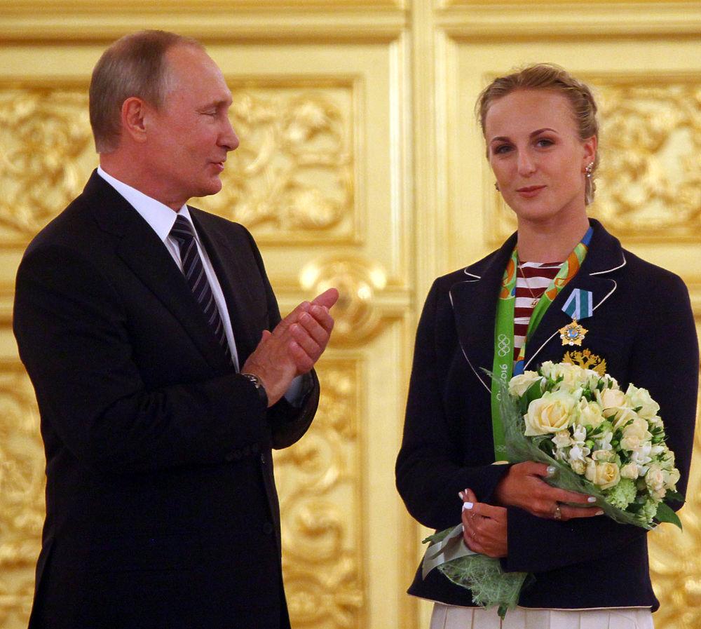 Олимпийцев торжественно наградили в Кремле за победы в Рио