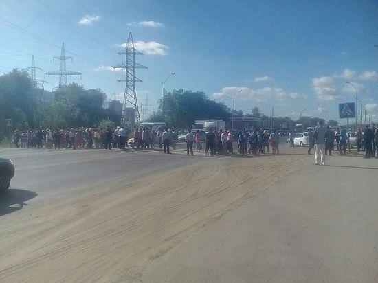 Сотрудники «АвтоВАЗагргеата» перекрыли трассу после обещания губернатора не платить денег