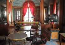 «Кто же такой недальновидный и нескромный»: под Москвой появился 118-комнатный особняк