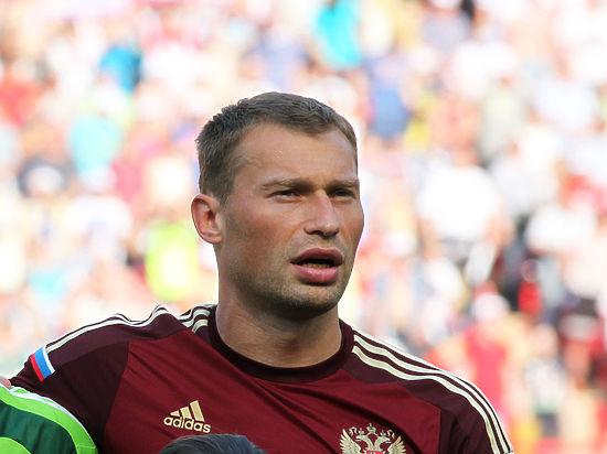 Футболисты сборной РФ поздравили Черчесова с53-летием