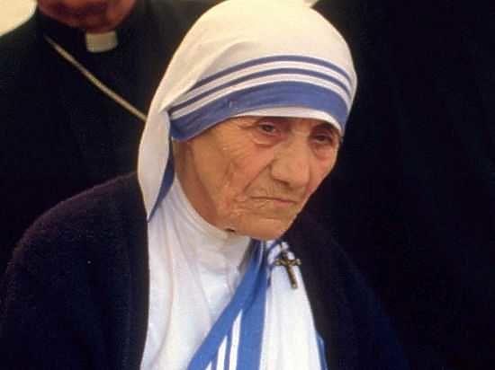 Член ордена мать тереза