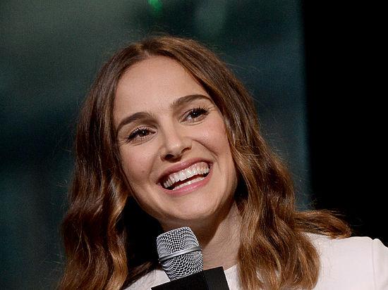 Натали Портман прибыла вВенецию напремьеру фильма «Джеки»