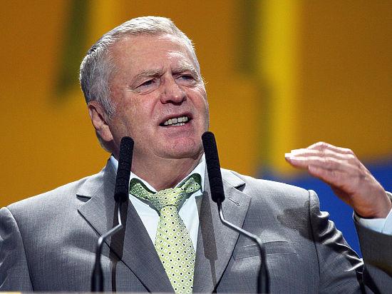 Жириновский процитировал «Боже, царя храни» впроцессе награждения вКремле