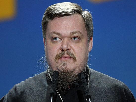 Всеволод Чаплин прокомментировал слова Патриарха Кирилла о запрете золотых посохов