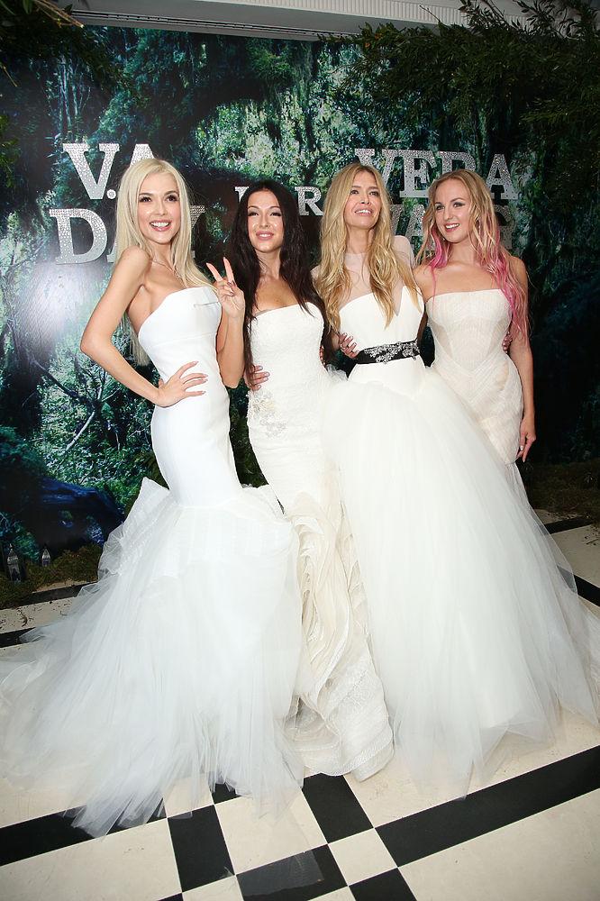 Какое платье было на свадьбе нюши