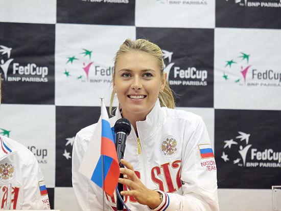 Теннисистку заставили снять трусы фото 383-550