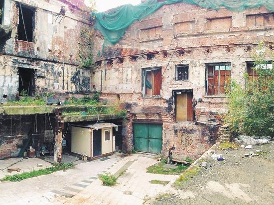 Сгоревший ночной клуб «Опера» могут сровнять с землей ради парковки