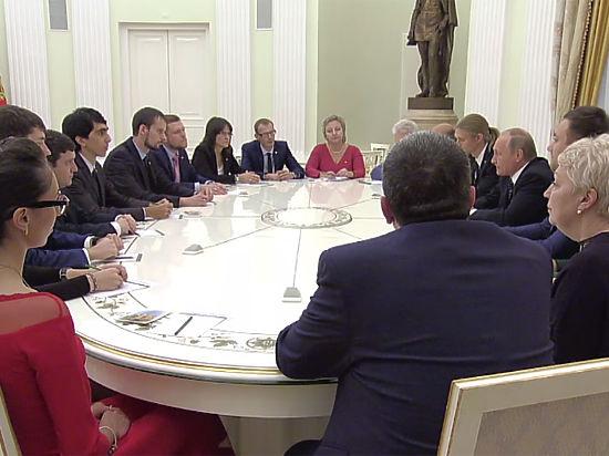 В РФ преподаватель рассмеялся влицо Путину навопрос о заработной плате учителя