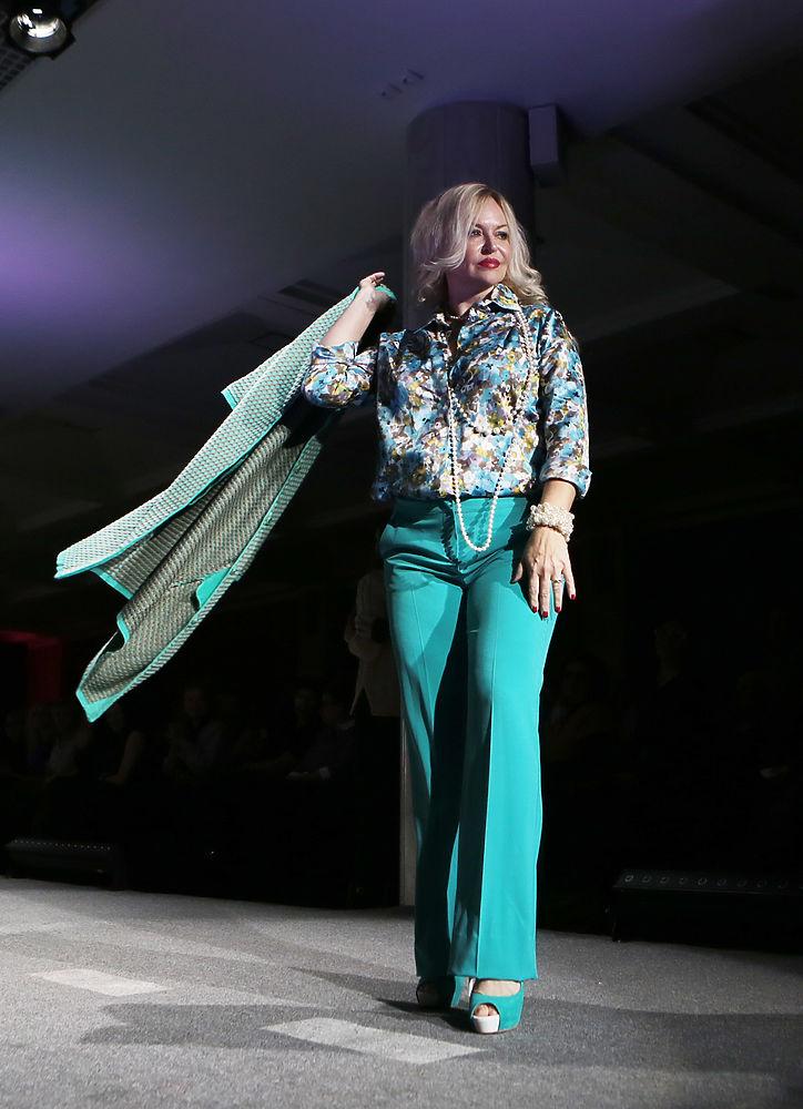 Показ мод женщин 94