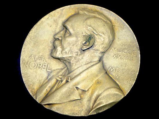 Нобелевскую премию по экономике присудили за теорию контракта