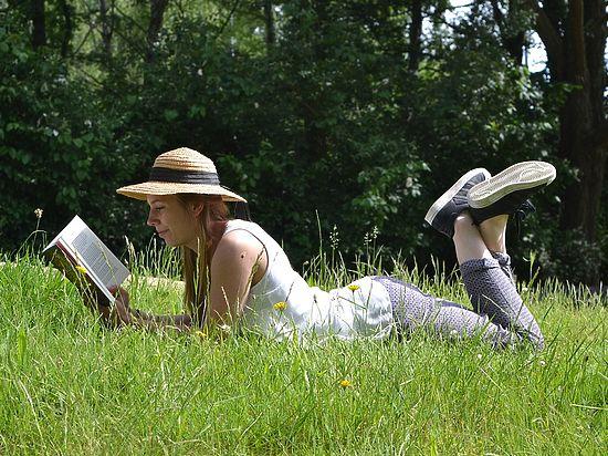 Ученые назвали пять причин, по которым чтение полезно для здоровья
