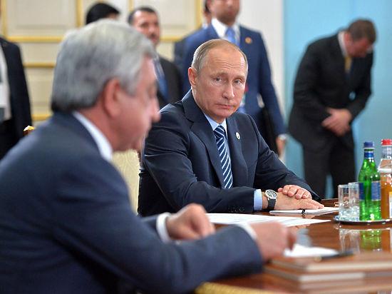 Путин с Лукашенко решили заставить НАТО уважать ОДКБ