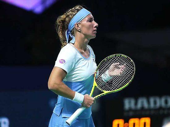 Кузнецова проиграла Мугурусе на Итоговом турнире WTA