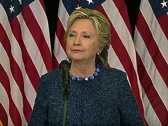 Вдень понесколько процентов: Трамп неуклонно настигает Клинтон