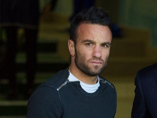 «Лион» опроверг информацию осмерти Вальбуэна Франция. Лига 1
