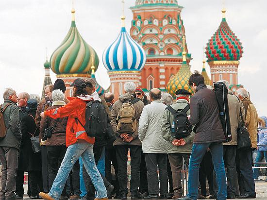Иностранцев хотят пускать в Москву без визы на 72 часа
