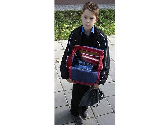 Спинолом: портфели старшеклассников весят 10–15 килограммов