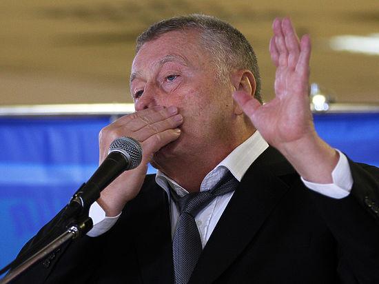 Жириновский: навыборах вСША должен побороть Дональд Трамп