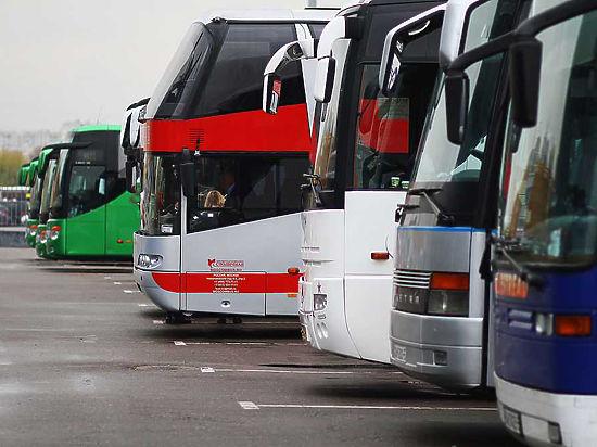 Подмосковные автобусы предложили перекрасить