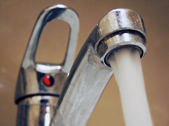 Роспотребнадзор предложил снизить температуру горячей воды в кранах