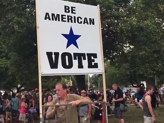голая девушка на выборах президента