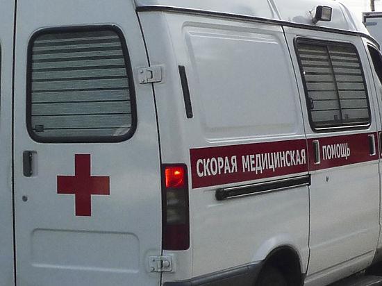Москвичку ранило упавшим с парковки фонарным столбом
