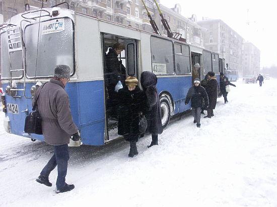 В Москве водитель троллейбуса получил удар током на рабочем месте