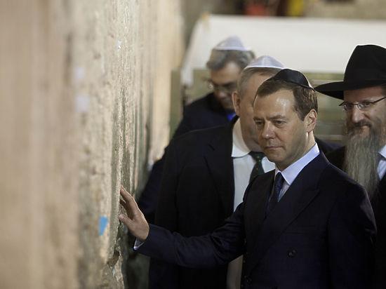 Медведев в Израиле заявил о «рихтовке» Трампа