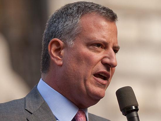 Мэр Нью-Йорка пообещал уничтожить сведения о нелегальных мигрантах назло Трампу