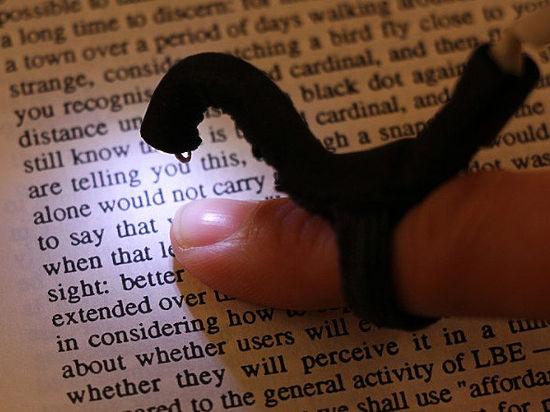 Ученые разработали камеру, которая несомненно поможет слепым «читать» обычные книги