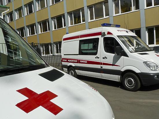 Женщина, которая пострадала отпадения сосульки в столицеРФ, выписана из клиники