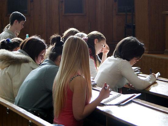 ВГД внесли законодательный проект, запрещающий детям чиновников учиться заграницей