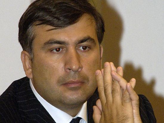 Саакашвили лишится украинского гражданства и уедет жить в США