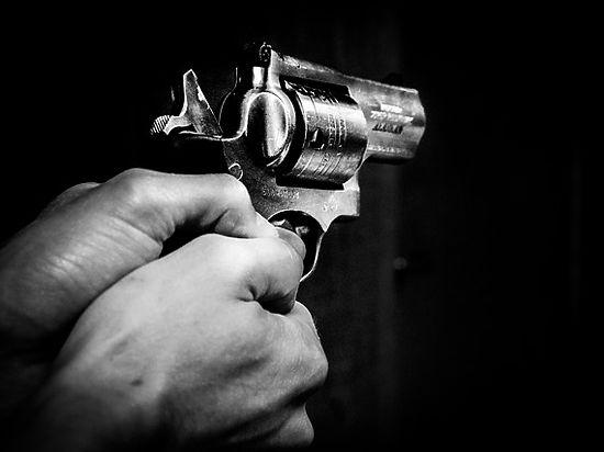 Погрязшего в долгах московского бизнесмена расстреливали втроем