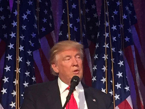 Трамп еще раз призвал актеров «Гамильтона» извиниться перед Пенсом